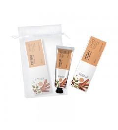 UMIDO Beautyset mit Handcreme 30 ml Kardamom- & Sandelholz-Extrakt inklusive Organza-Säckchen